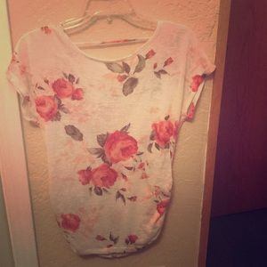 Tops - Super cute blouse size small